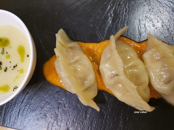 Dumpling de pollo al ajullo