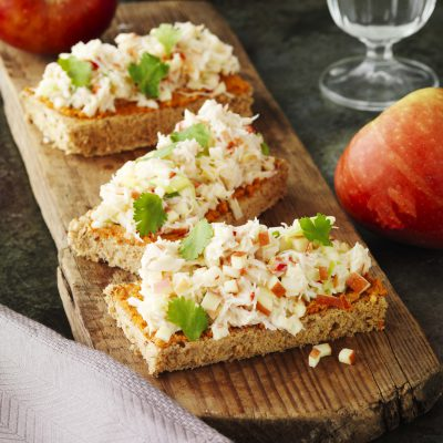 Tosta de manzanas val venosta con carne de cangrejo